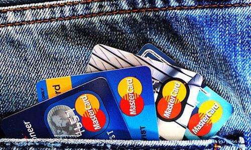 高校生でも作れるクレジットカードはどれ?!